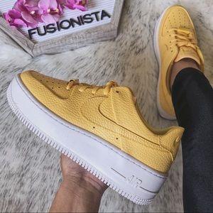 NWT🍭 Rare Nike Air Force 1 Sage Yellow 6.5W